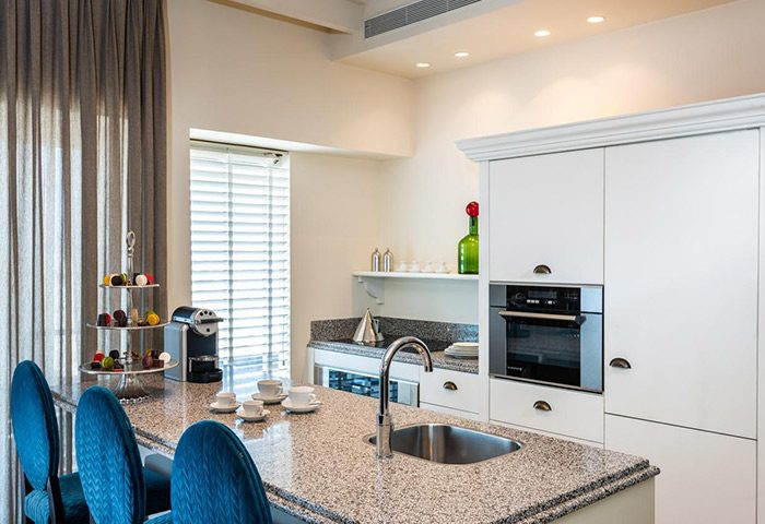 Cheap-Beachfront-Gay-Hotel-with-Kitchen-Herods-Tel-Aviv-By-the-Beach