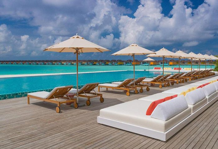 Cheap-Beachfront-Pool-Villas-Gay-Hotel-The-Standard,-Huruvalhi-Maldives
