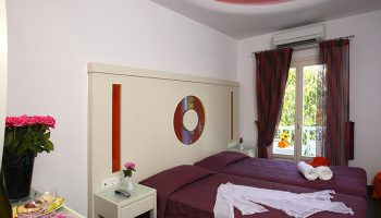 Cheap-Budget-Gay-Hotel-Mykonos-In-City-Center-Matogianni-Hotel