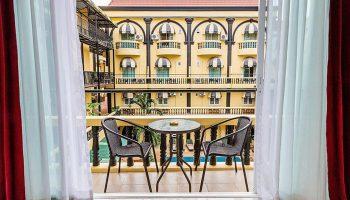 Cheap-Gay-Hotel-Pattaya-with-Pool-and-balcony-Zing-Resort-&-Spa