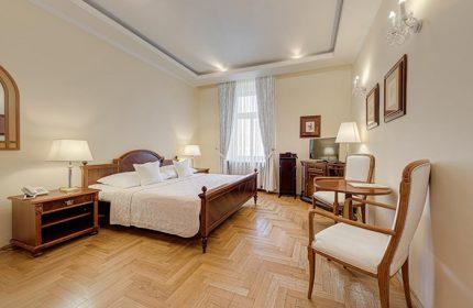 Cheap-Gay-Hotel-Prague-Near-Vinohrady-Gay-Nightlife-Louren-Hotel