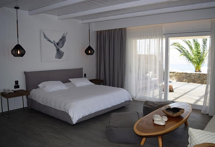 Cheap-Gay-Hotel-in-Mykonos-Town-gayborhood-With-Rooftop-Pool-Hermes-Mykonos-Hotel