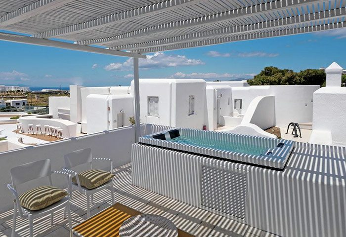 Cheap-Luxury-Gay-Hotel-Mykonos-with-Private-Rooftop-Jacuzzi-Bath-Andronikos-Hotel