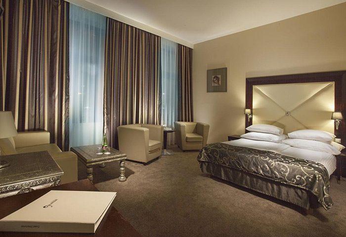 Cheap-Luxury-Gay-Hotel-in-Prague-Old-Town-Grandior-Hotel-Prague