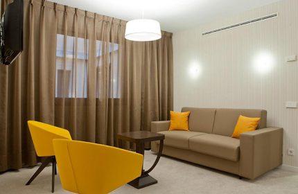 Cheap-Price-Gay-Hotel-Room-for-3-people-in-Madrid-Gayborhood-Hotel-Liabeny-Gran-Via