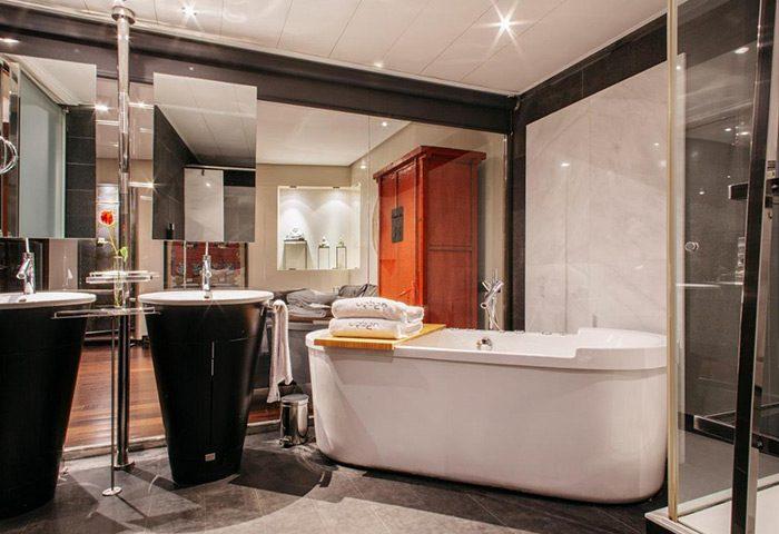 Cheap-Price-Luxury-Gay-Hotel-Madrid-City-Center-Urban-Hotel