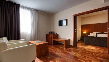 Cheap-Price-Upscale-Gay-Hotel-Barcelona-near-Gay-Bar-Acevi-Villarroel-Hotel