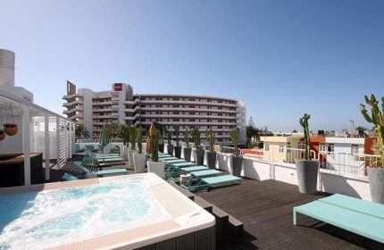 Cheap-Price-Upscale-Gay-Hotel-Gran-Canaria-With-Rooftop-Pool-Gold-Playa-del-Ingles-Adults-Only
