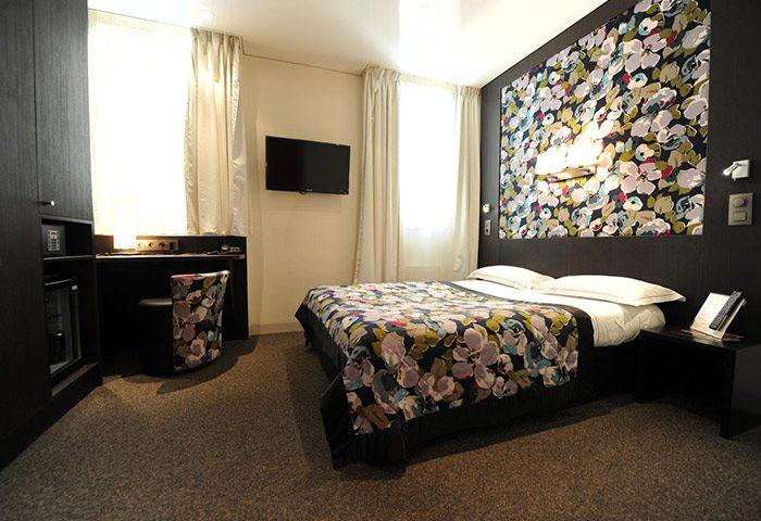 Chic-Cool-Design-Gay-Hotel-in-Paris-City-Center-Hotel-Du-Vieux-Saule