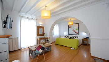 Cool-Design-Cheap-Price-Gay-Hotel-Mykonos-Town-Elena-Hotel
