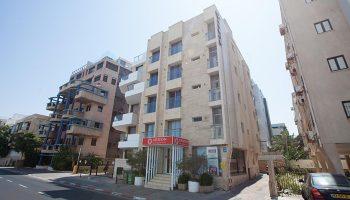 Excellent-Gayborhood-Location-Hotel-tel-Aviv-in-Hilton-Gay-Beach-Armon-Hayarkon-Hotel