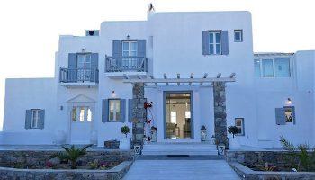 Excellent-Location-Gay-Party-Hotel-Mykonos-Near-Gay-Bar-Jackie-O