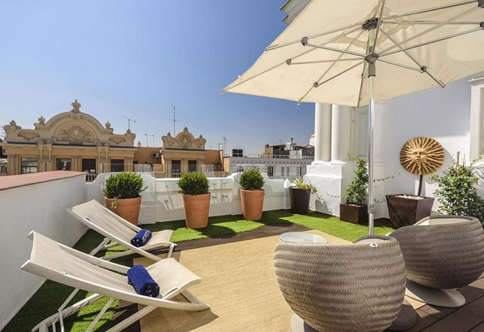 FInd-Cheap-Gay-Hotel-Madrid-with-Private-Terrace-in-Chueca-and-Gran-Via-H10-Villa-de-la-Reina-Boutique-Hotel
