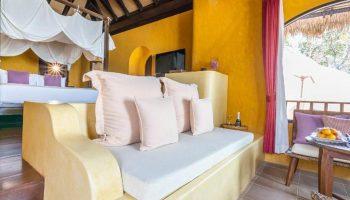 FInd-Last-Minutes-Cheap-Luxury-Beachfront-gay-Hotel-Paradee-Resort-Koh-Samet