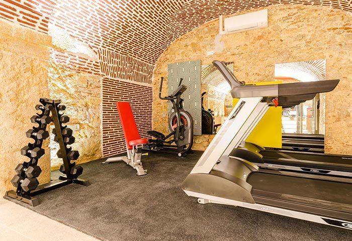 Find-Cheap-Gay-Hotel-Lisbon-with-Gym-Hotel-Borges-Chiado