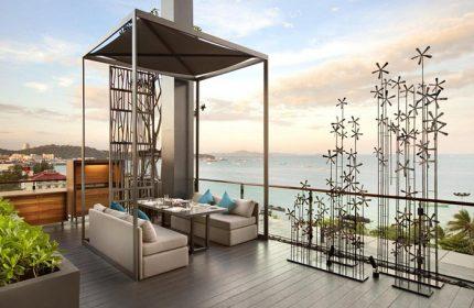 Find-Cheap-Luxury-Beachfront-Gay-Hotel-Pattaya-City-Hilton-Pattaya