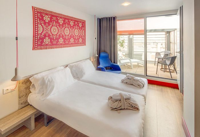 Find-Cheap-Price-Gay-Hotel-in-Barcelona-Party-Area-Generator-Barcelona