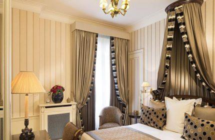 Find-Gay-Hotel-Ideas-in-Paris-Gayborhood-This-Year-Update