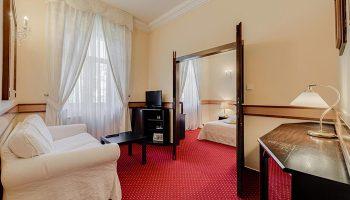 Find-Last-Minutes-Gay-Hotels-Prague-City-Center-in-Vinohrady-Louren-Hotel
