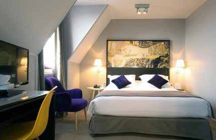 Find-Last-Minutes-Gay-Paris-Hotel-in-City-Center-Little-Palace-Hotel