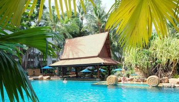 Find-Thai-Style-Pool-Gay-Hotel-Pattaya-Near-Gay-Bars