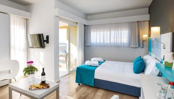 Find-Triple-Room-with-Balcony-Gay-Hotel-Room-for-3-People-Prima-City-Tel-Aviv-Hotel