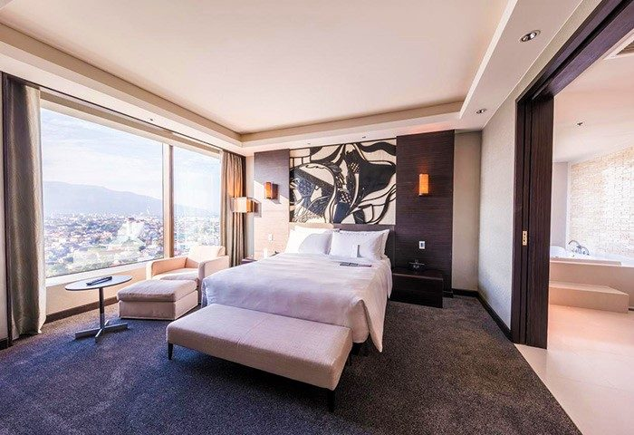 Gay-Famous-Luxury-Hotel-in-Chiang-Mai-Le-Meridien