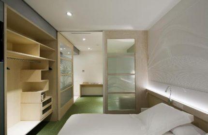 Gay Friendly Hotel Aparthotel Ako Suites Barcelona