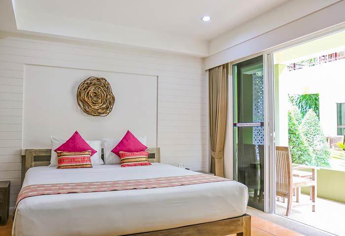 Gay-Friendly-Hotel-Ark-Bar-Beach-Resort-6