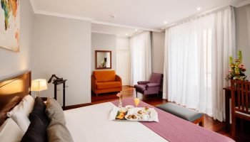 Gay Friendly Hotel Lusso Infantas (Pet-friendly) Madrid