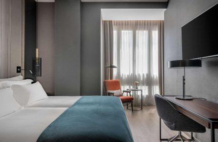 Gay Friendly Hotel NH Collection Madrid Gran Via (Pet-friendly) Madrid