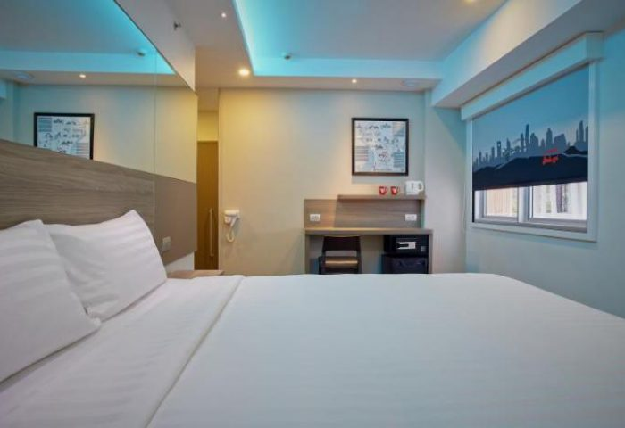 Gay-Friendly-Hotel-Red-Planet-Bangkok-Surawong-3