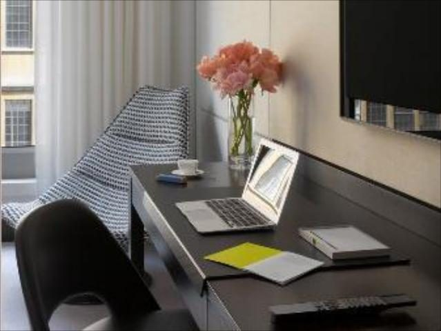 Gay Friendly Hotel South Place Hotel (Pet-friendly) London