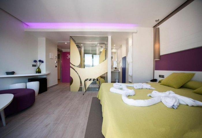 Gay Friendly Hotel The Purple Hotel - Gay Special Spain