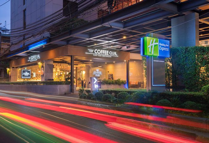 Gay-Friendly-Hotel-near-Bangkok-Nightlife-Sathorn-Holiday-Inn-Express