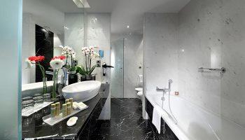 Gay-Popular-Hotel-Room-for-3-People-in-Lisbon-Gayborhood-Eurostars-Hotel-das-Letras