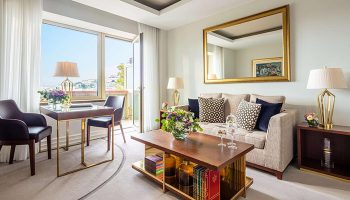 Honeymoon-Hotel-Ideas-for-Luxury-Gay-Travellers-in-Lisbon-City-Center-Tivoli-Avenida-Liberdade