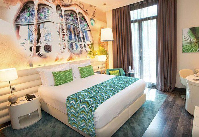 Hotel-Indigo-Barcelona-Plaza-Catalunya-Cheap-Price-Gay-Hotel-Barcelona-Gayborhood-with-Pool