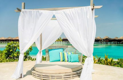 Instagramable-Cheap-Price-Beachfront-Gay-Hotel-Anantara-Veli-Maldives-Resort