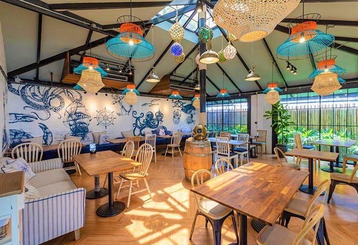 Modern-Design-Gay-Krabi-Beach-Hotel-Holiday-Inn-Express-Krabi-Ao-Nang
