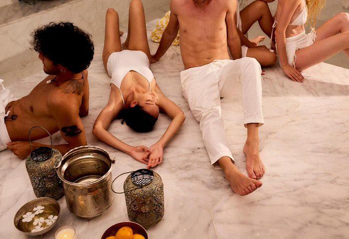Perfect-Gay-Hotels-Maldives-for-Gay-Group-Friends-The-Standard,-Huruvalhi-Maldives