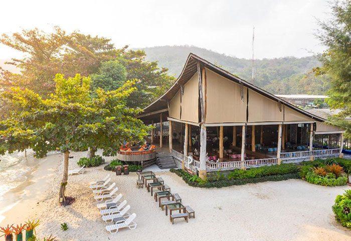 Popular-Beachfront-and-Quiet-Gay-Hotel-Koh-Samet-Baan-Ploy-Sea