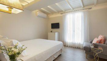 Popular-Honeymoon-Gay-Hotel-in-Mykonos-Town-and-Chora-Despotiko-Hotel