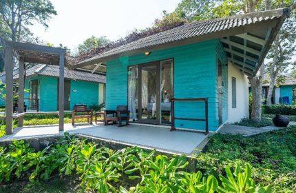 Sai-Kaew-Beach-Resort-Cheap-Beachfront-Pool-Gay-Hotel-in-Koh-Samet