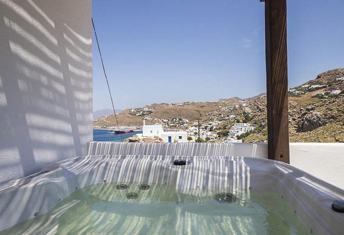 Slef-Catering-Gay-Apartment-Hotel-Mykonos-Town-Near-Gay-Beaches-Mykonos-Sahas-Suites