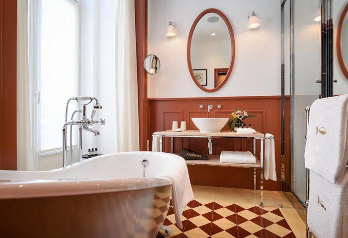 Top-Honeymoon-Gay-Hotel-Lisbon-Near-Gay-Sauna-Trombeta-Bath-Bairro-Alto-Hotel