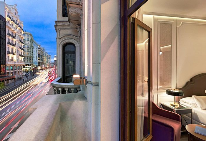 Top-Honeymoon-Gay-Hotel-in-Madrid-City-Center-H10-Villa-de-la-Reina-Boutique-Hotel
