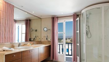 Top-Honeymoon-Hotel-Ideas-and-Inspirations-for-Gay-Honeymooners-in-Mykonos-Town-City-Cener