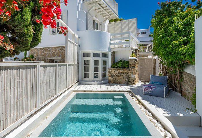 Top-Honeymoon-Hotel-in-Mykonos-Town-City-Center-for-Gay-Couples-Semeli-Hotel-Mykonos