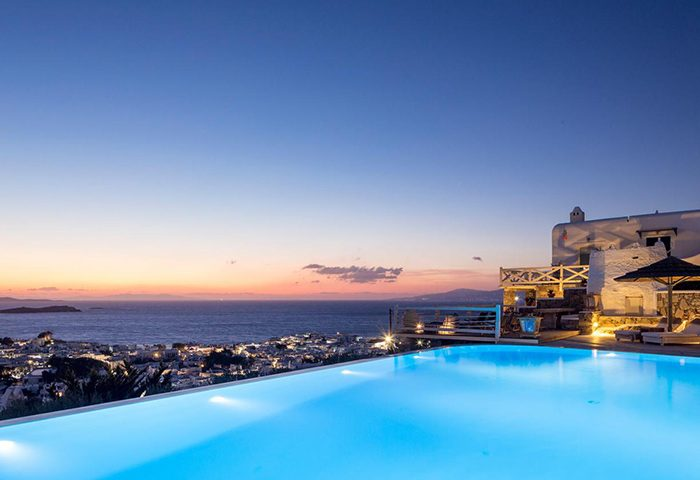 Top-Infinity-Rooftop-Pool-Gay-Hotel-in-Mykonos-Town-Chora-City-Center-Vencia-Boutique-Hotel